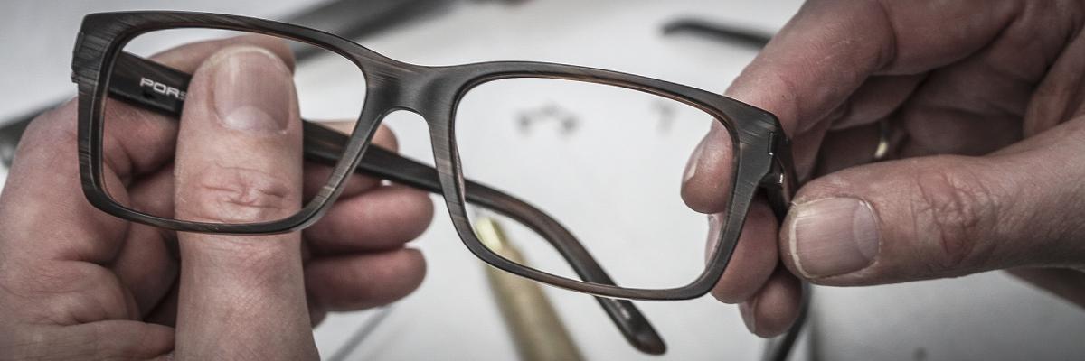 Optik ist ein Handwerk, das viel Präzision und medizinische Kenntnisse verbindet.